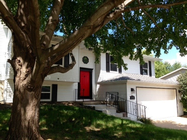 Rental Homes for Rent, ListingId:34855337, location: 1412 W 48TH Street Davenport 52804