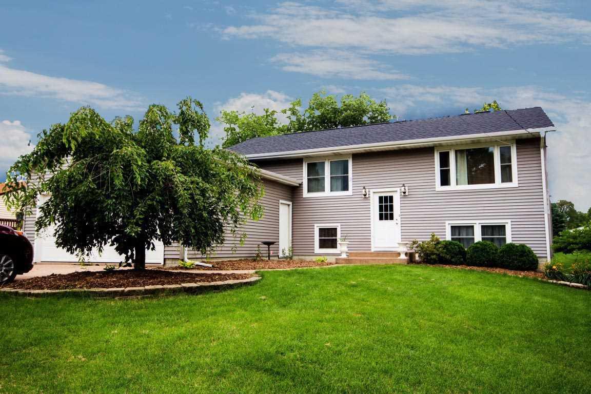 Rental Homes for Rent, ListingId:34855321, location: 3805 35TH Avenue Moline 61265