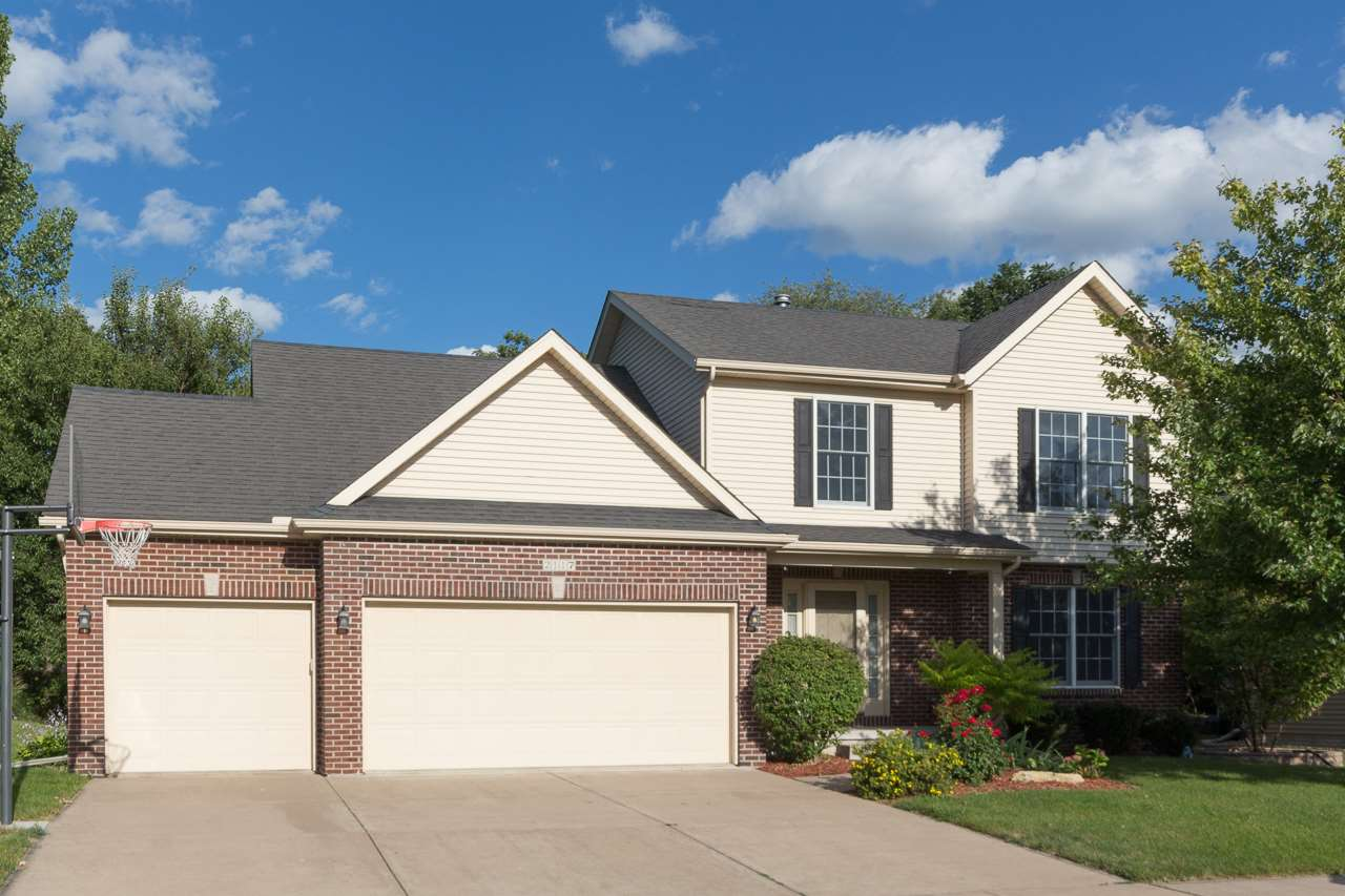 Rental Homes for Rent, ListingId:35025096, location: 2117 PLUM TREE Bettendorf 52722