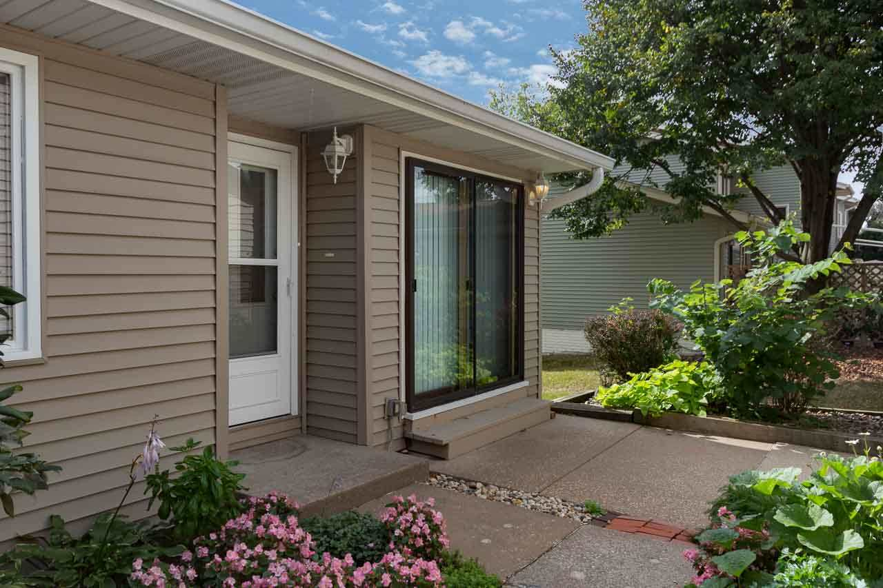 Rental Homes for Rent, ListingId:35583503, location: 3095 PARKWILD Bettendorf 52722