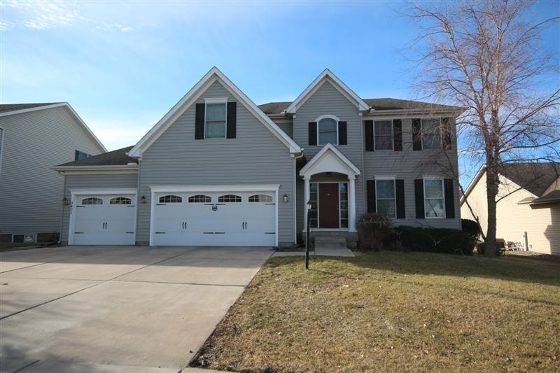 Rental Homes for Rent, ListingId:35745286, location: 3421 ST JAMES Bettendorf 52722