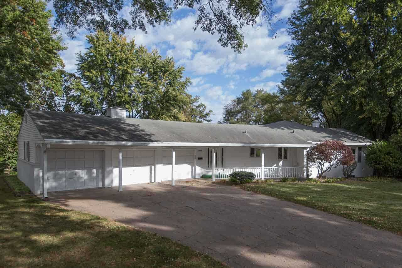 Rental Homes for Rent, ListingId:35822747, location: 3525 26TH AVE A Moline 61265