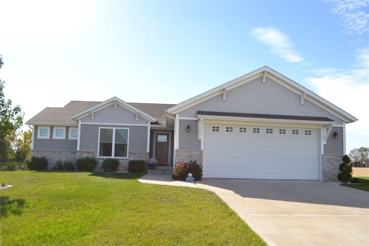 Real Estate for Sale, ListingId: 35872959, Davenport,IA52804