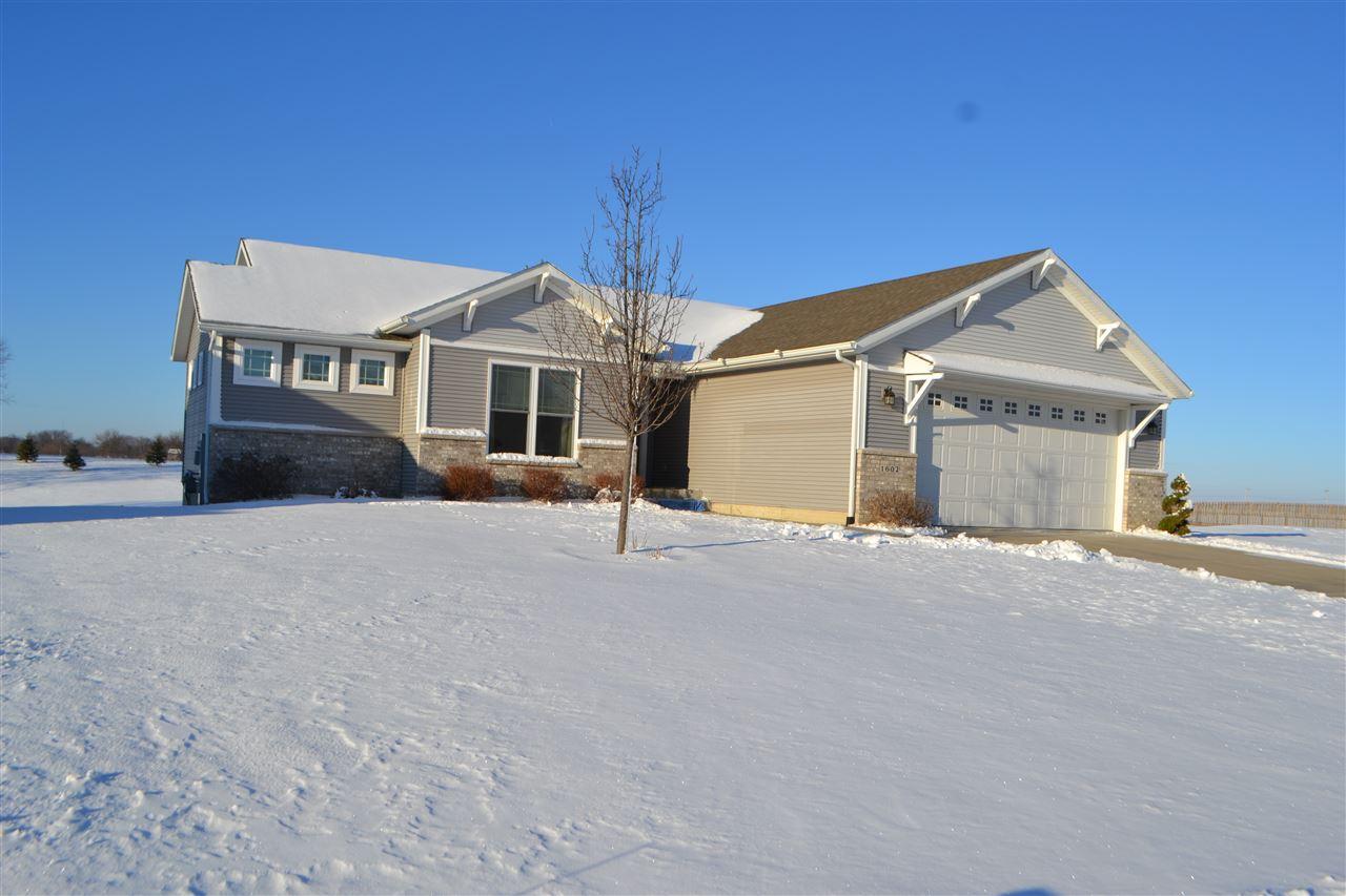 Real Estate for Sale, ListingId: 36711631, Davenport,IA52804