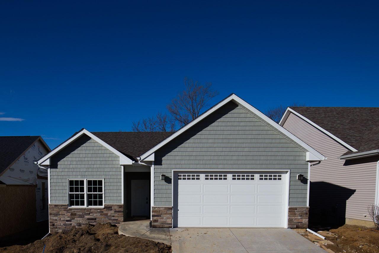 Real Estate for Sale, ListingId: 37075677, Davenport,IA52807