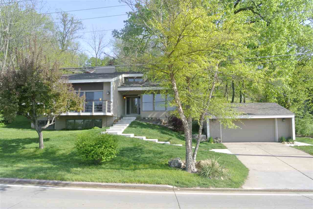 Photo of 2604  VALLEY Drive  Le Claire  IA