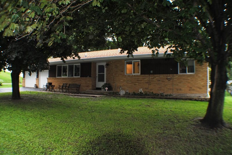 Photo of 404 N 6TH Avenue  Albany  IL