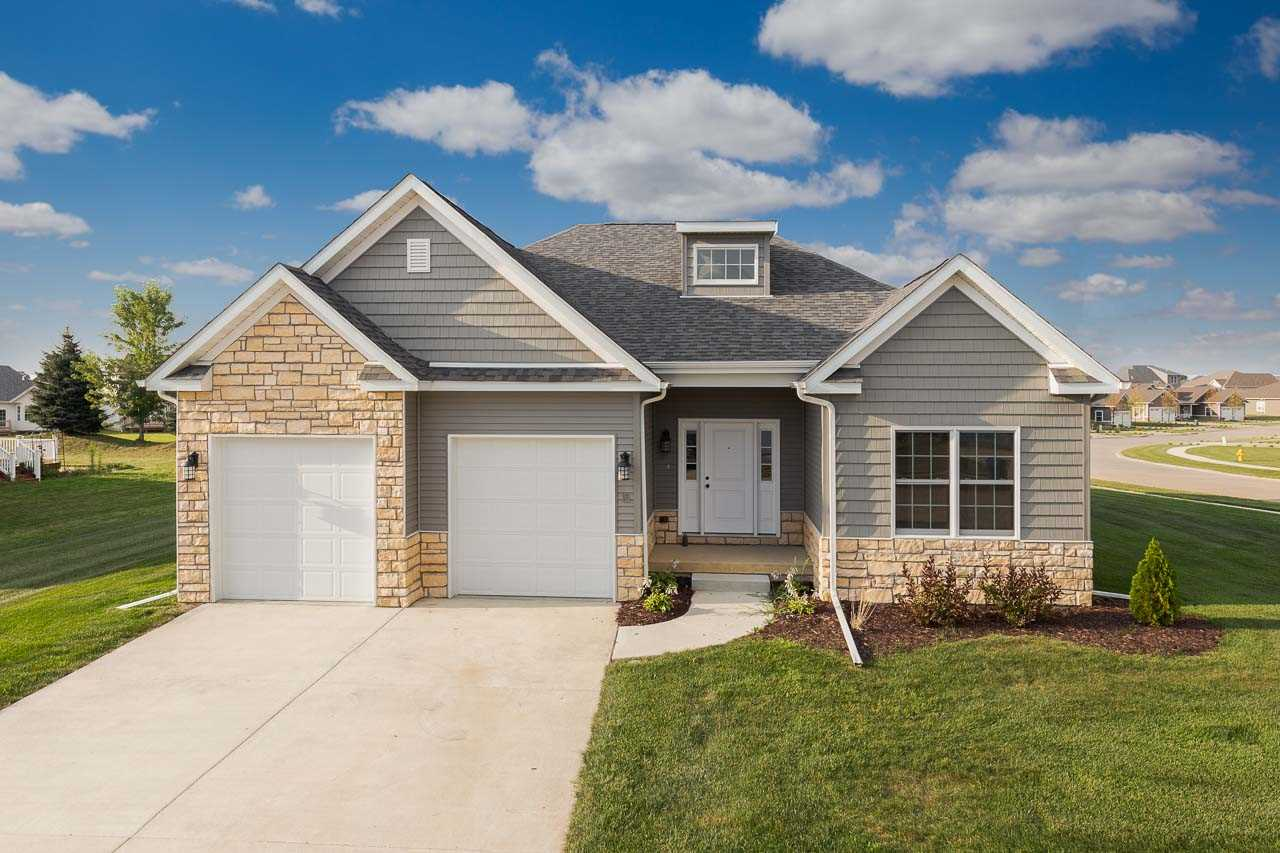 Photo of 15  BLACKSTONE WAY  Le Claire  IA