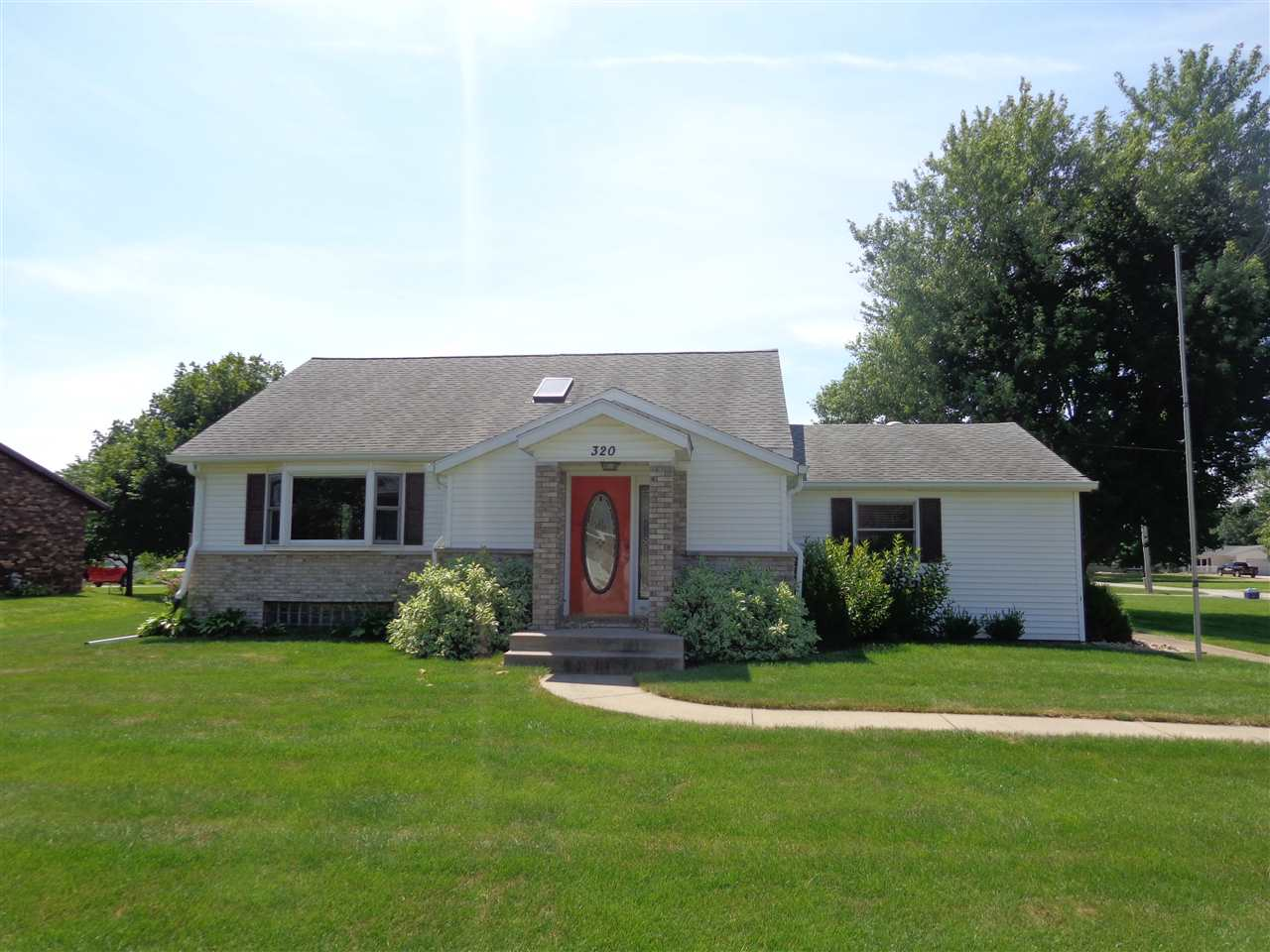 Photo of 320  2ND AVE W  Andalusia  IL