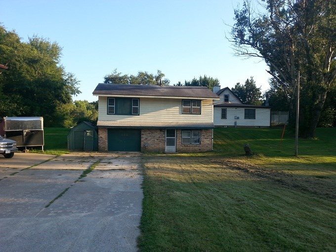 Photo of 328 E 12TH Avenue  Milan  IL