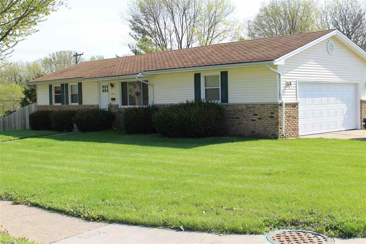 Photo of 3827 N THORNWOOD  Davenport  IA