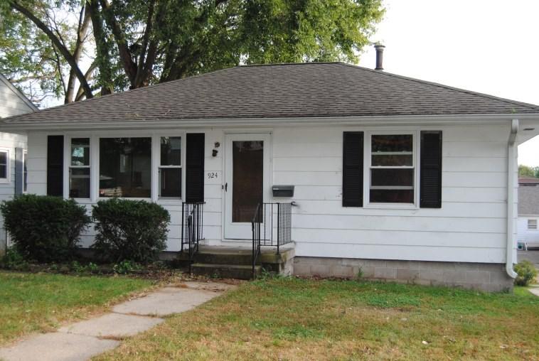 924 12th Ave, Fulton, IL 61252