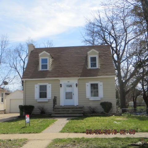1035 8th Ave S, Clinton, IA 52732