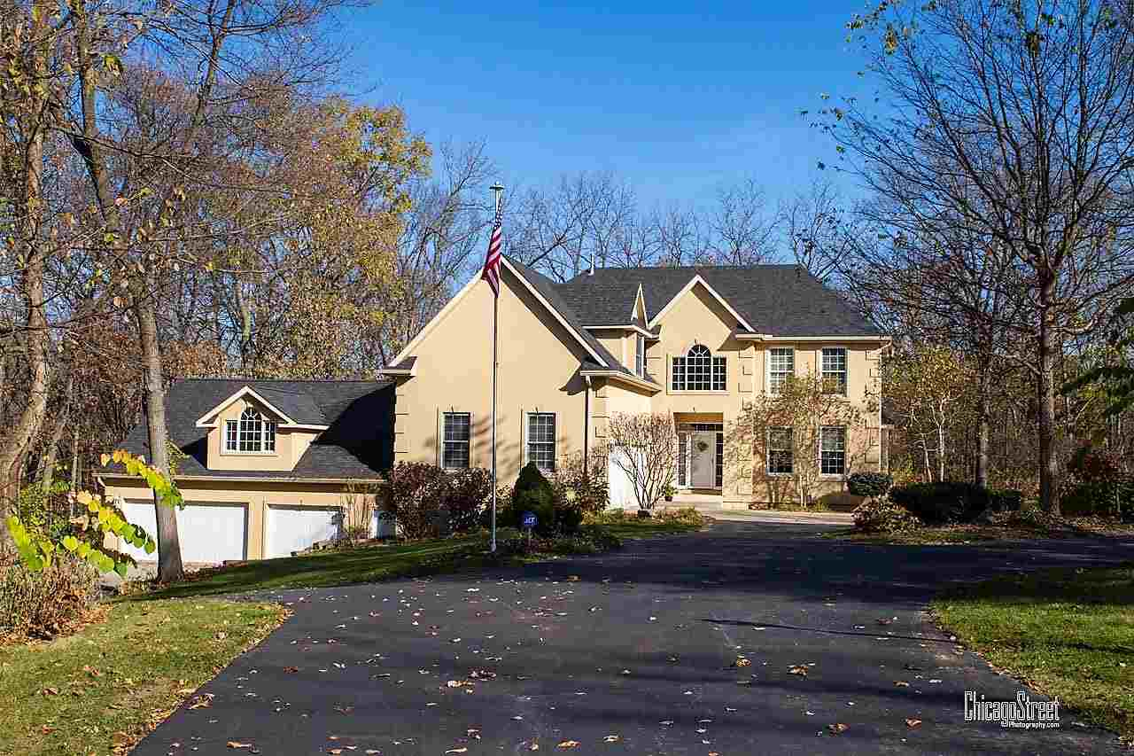 Photo of 402  HICKORY HILLS  Geneseo  IL