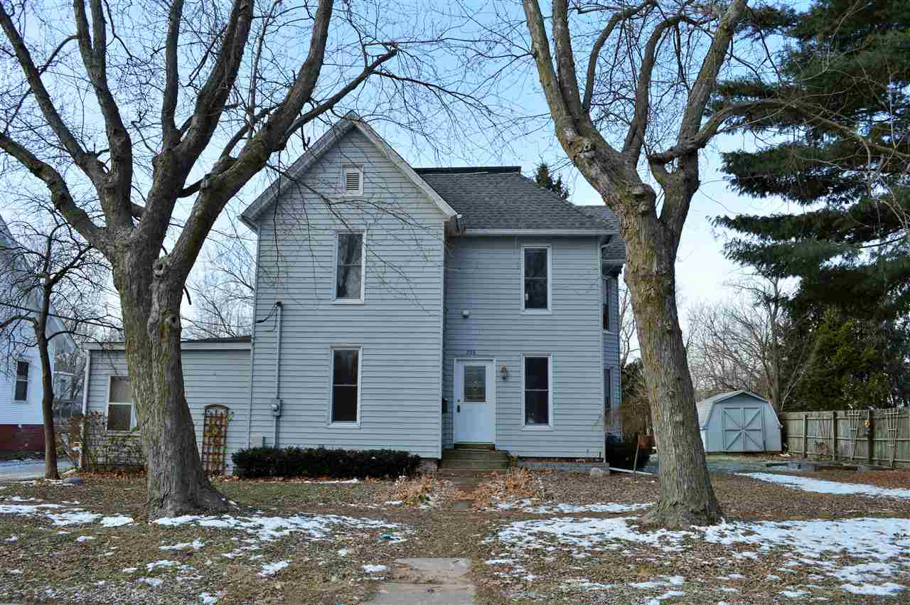 206 S 7th St, Monmouth, IL 61462