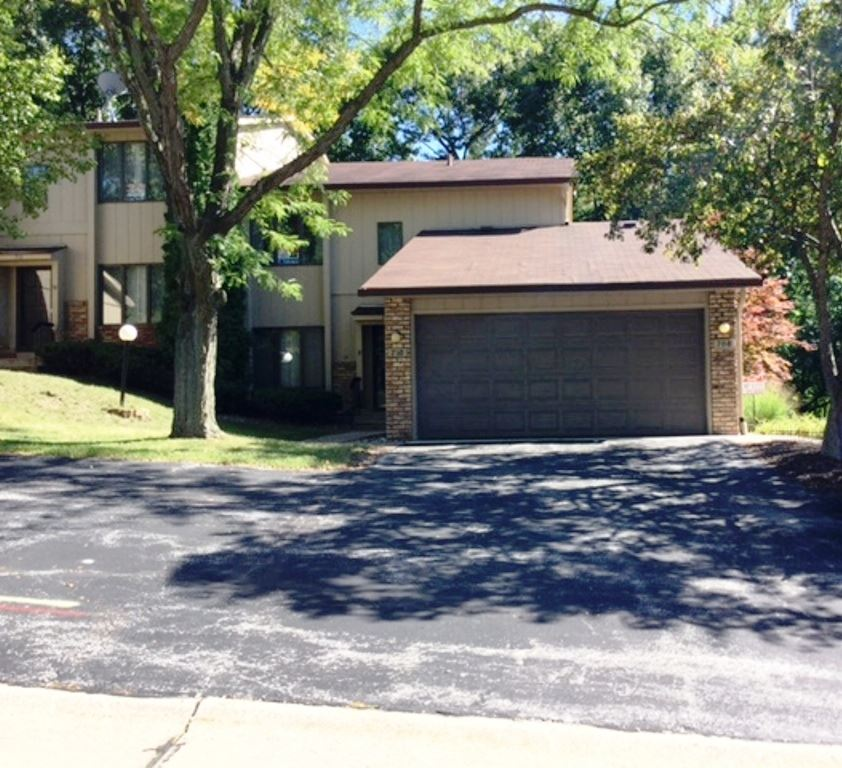 708 51st Ave # 5, East Moline, IL 61244