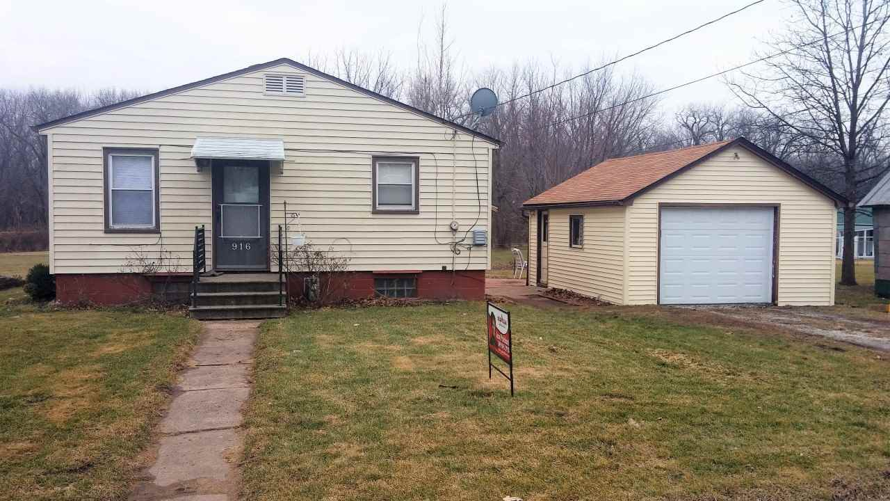 Photo of 916  STATE Street  Colona  IL