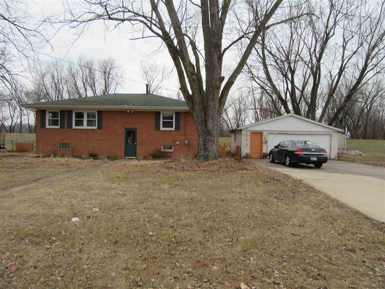 Photo of 609  2ND AVE W  Andalusia  IL