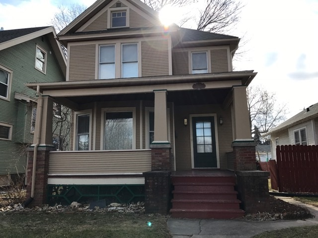 Photo of 1209 W LOCUST Street  Davenport  IA