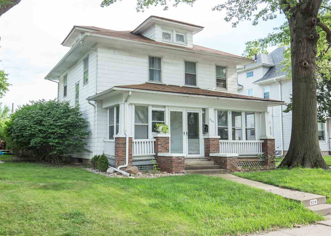 Photo of 904 E LOCUST Street  Davenport  IA