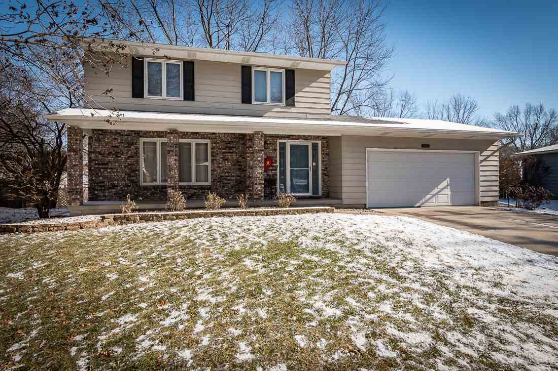 Photo of 3065  WILLOW Drive  Bettendorf  IA