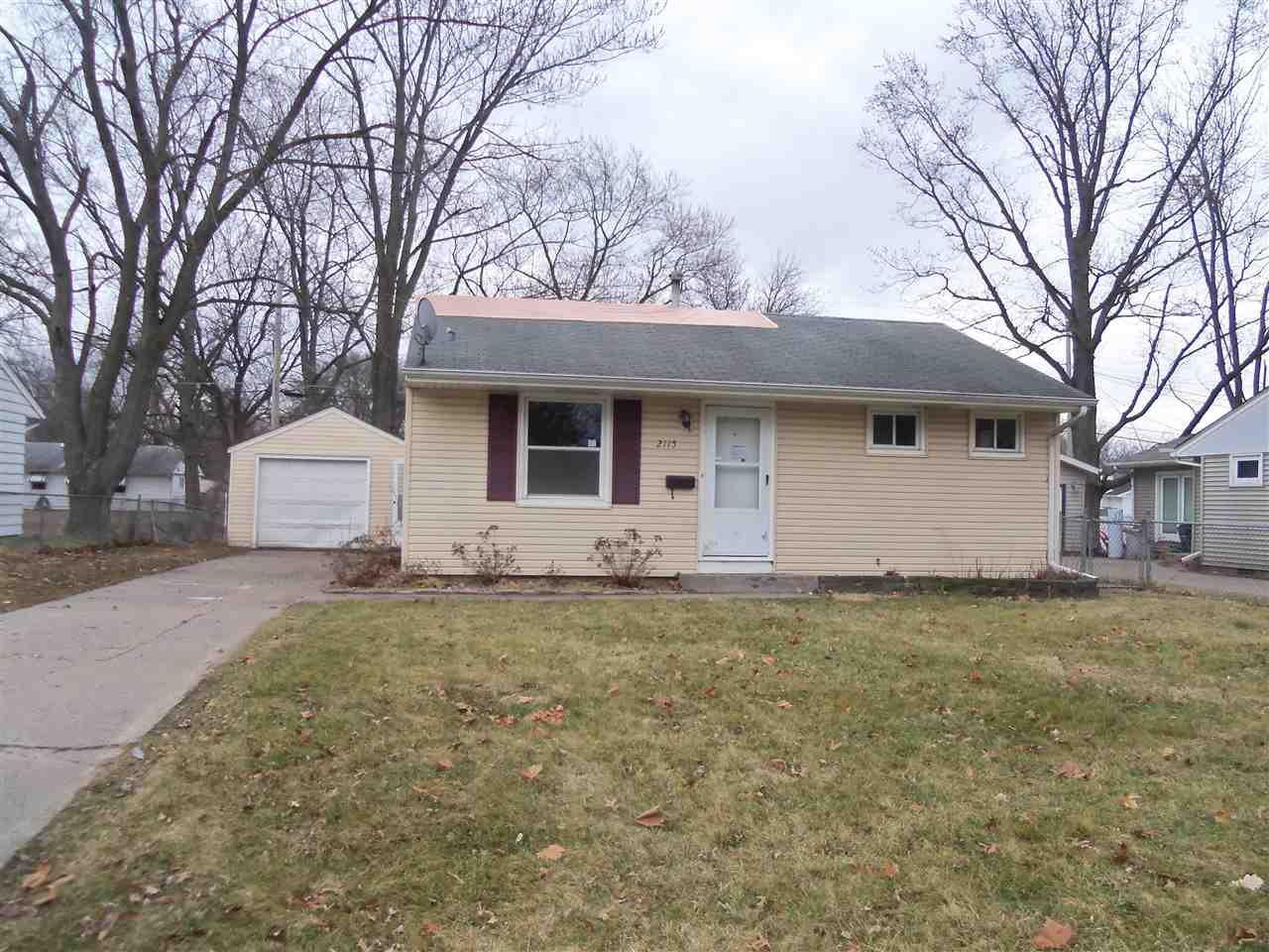 Photo of 2115 N FAIRMOUNT Street  Davenport  IA