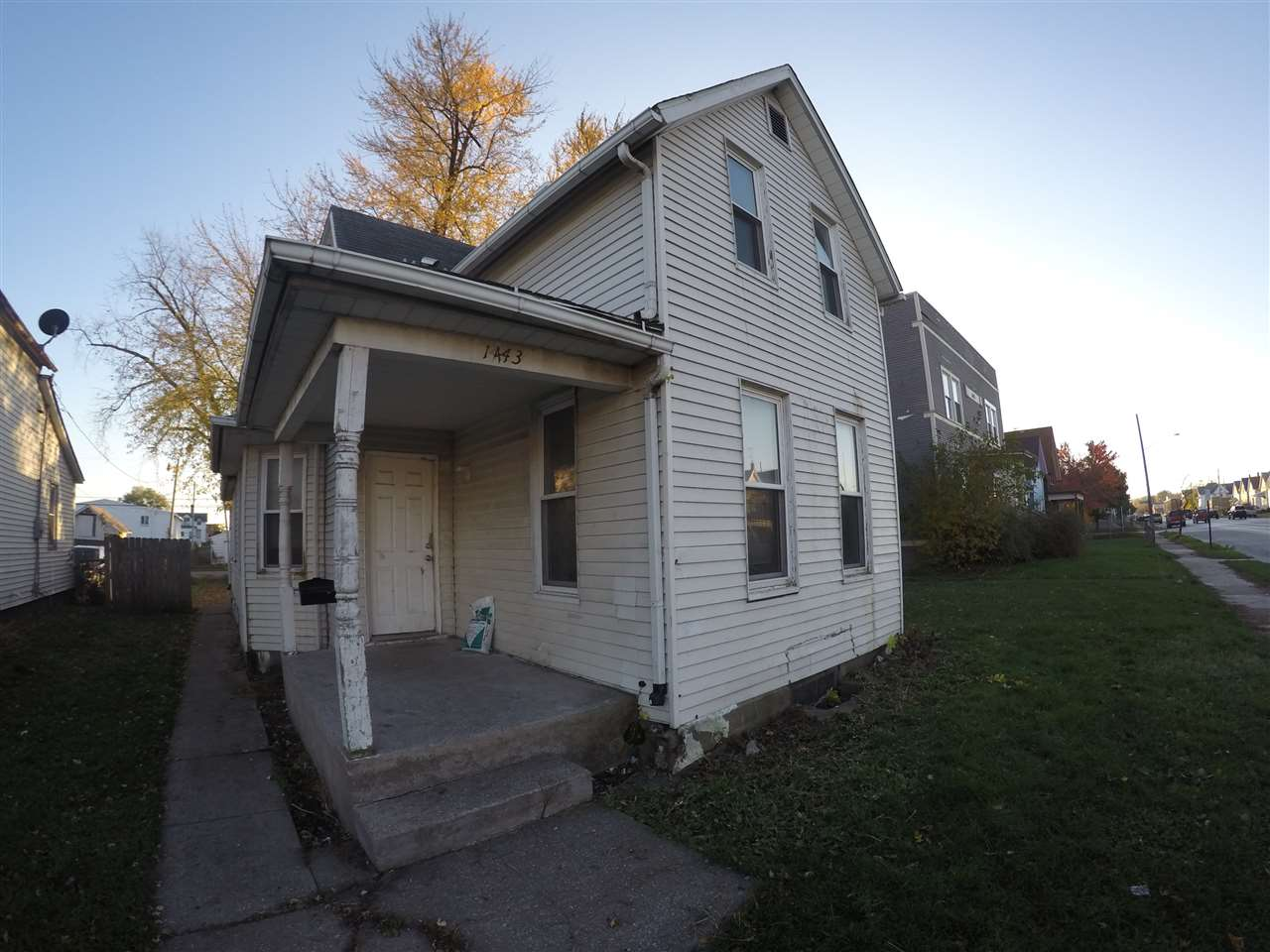 Photo of 1443 W 4TH  Davenport  IA