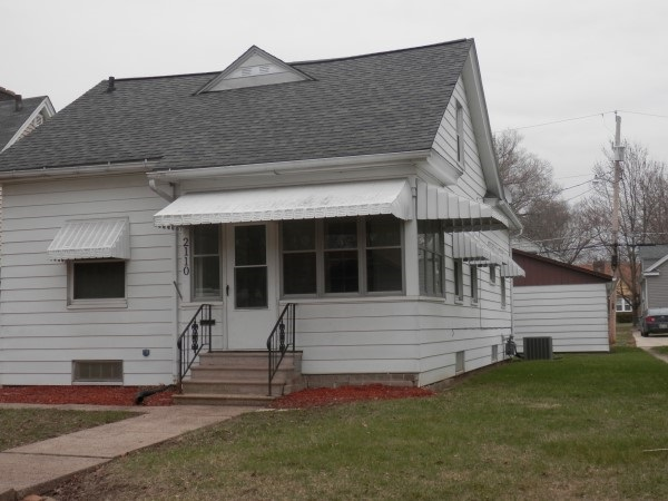 Photo of 2110  6TH ST CT  East Moline  IL