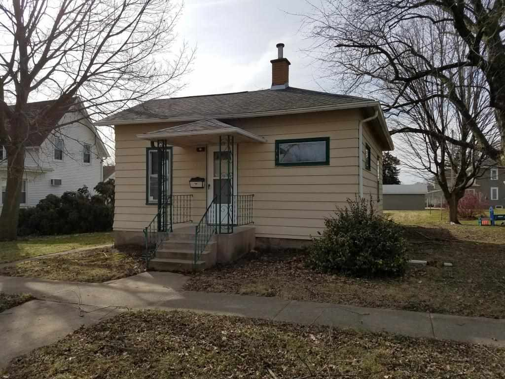 Photo of 419  5TH Street  De Witt  IA