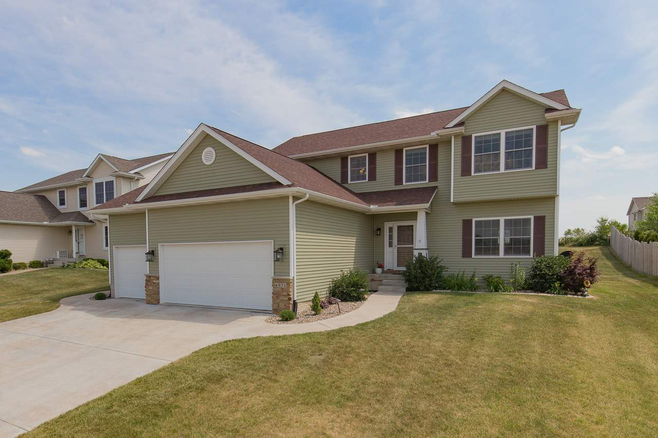 Photo of 4571  PALM Drive  Bettendorf  IA