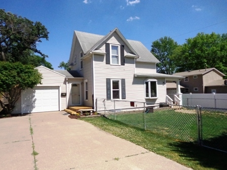 Photo of 923  18TH Street  Bettendorf  IA