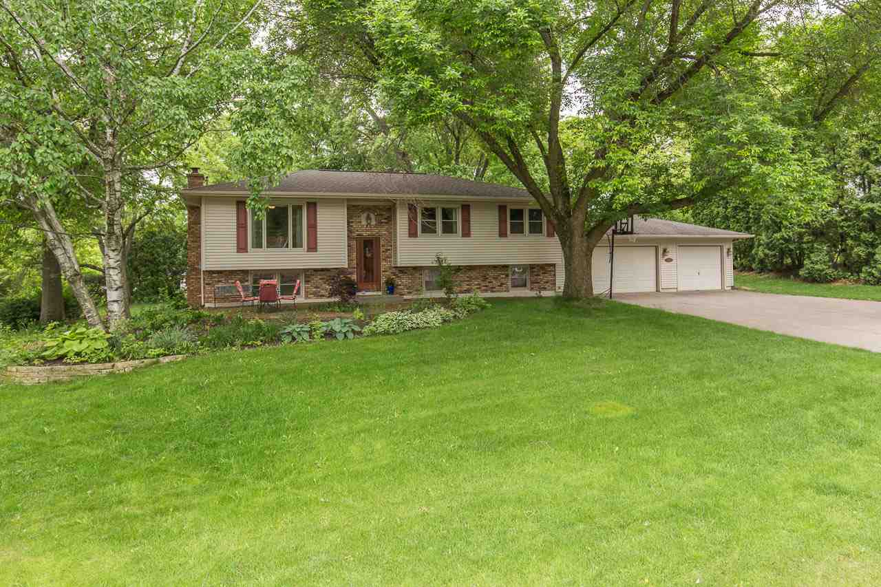 Photo of 6319  DODDS Drive  Bettendorf  IA