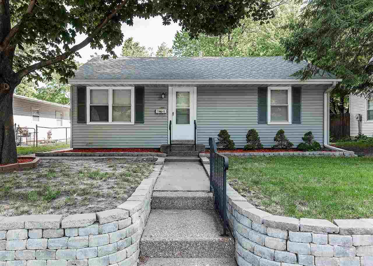Photo of 2910  CENTRAL Avenue  Bettendorf  IA