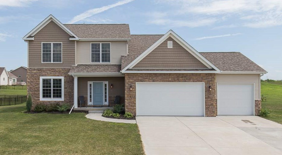 Photo of 3  REDSTONE Court  Le Claire  IA