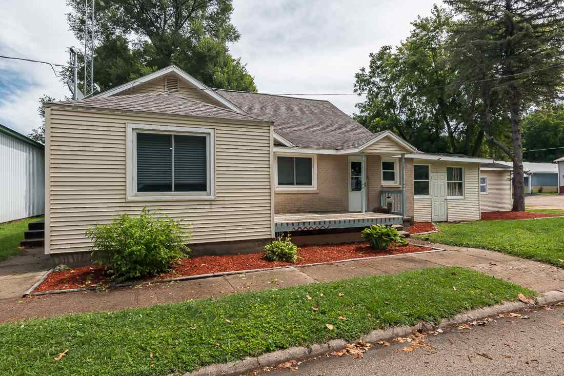 Photo of 209 N PARK Avenue  Albany  IL