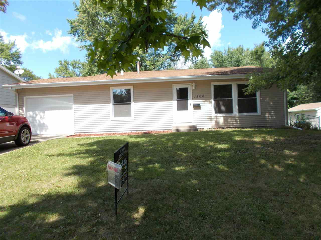 Photo of 1200  SPRUCE HILLS Drive  Bettendorf  IA