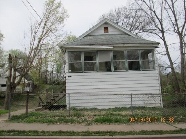 Photo of 1322  SPRING Street  Davenport  IA