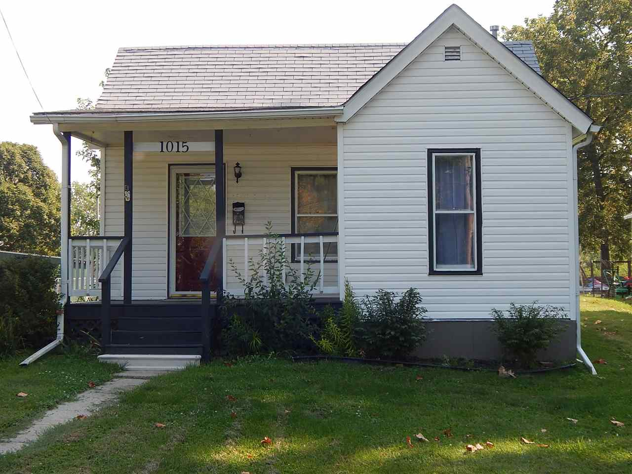 Photo of 1015 S 6TH Street  Monmouth  IL