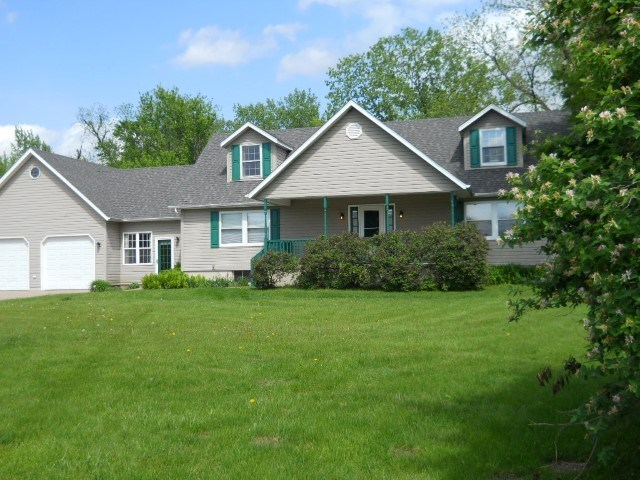 7525 W 121st Street Andalusia, IL 61284
