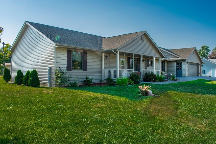 520 W 5th Street Andalusia, IL 61232