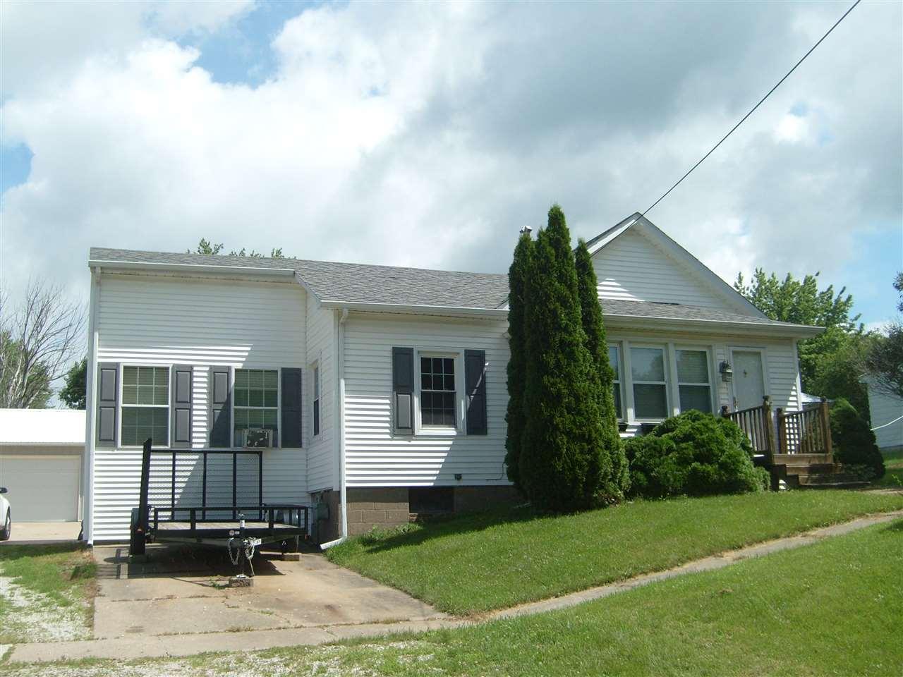 409 W Edgington Street Reynolds, IL 61279