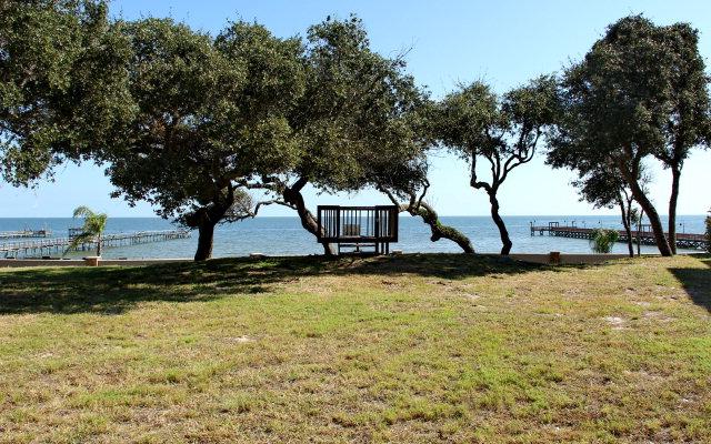 2 Royal Oaks Trail Fulton, TX 78358