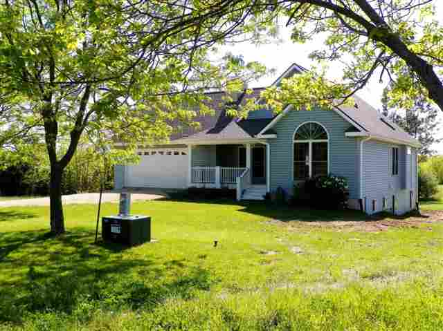 8A95 Hamilton Drive, Apple River, IL 61001