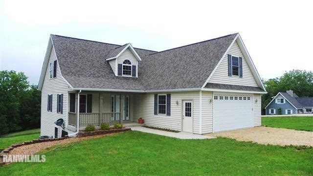 Real Estate for Sale, ListingId: 24004104, Apple River,IL61001