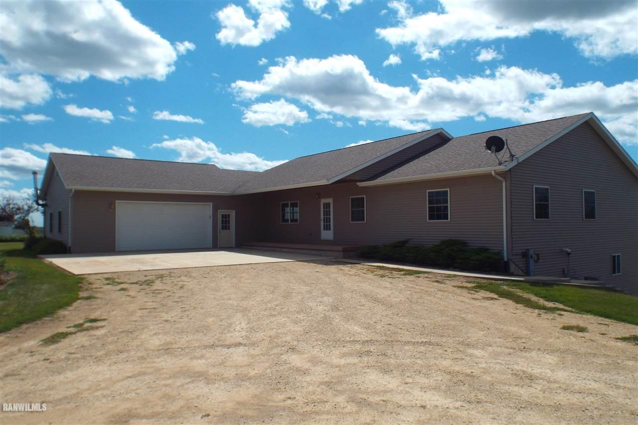 Image of Residential for Sale near Mcconnell, Illinois, in Stephenson county: 2.22 acres