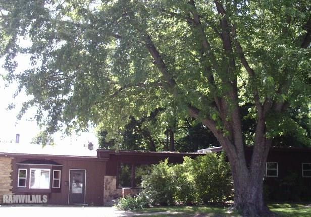 302 N Hannah Ave, Mount Morris, IL 61054