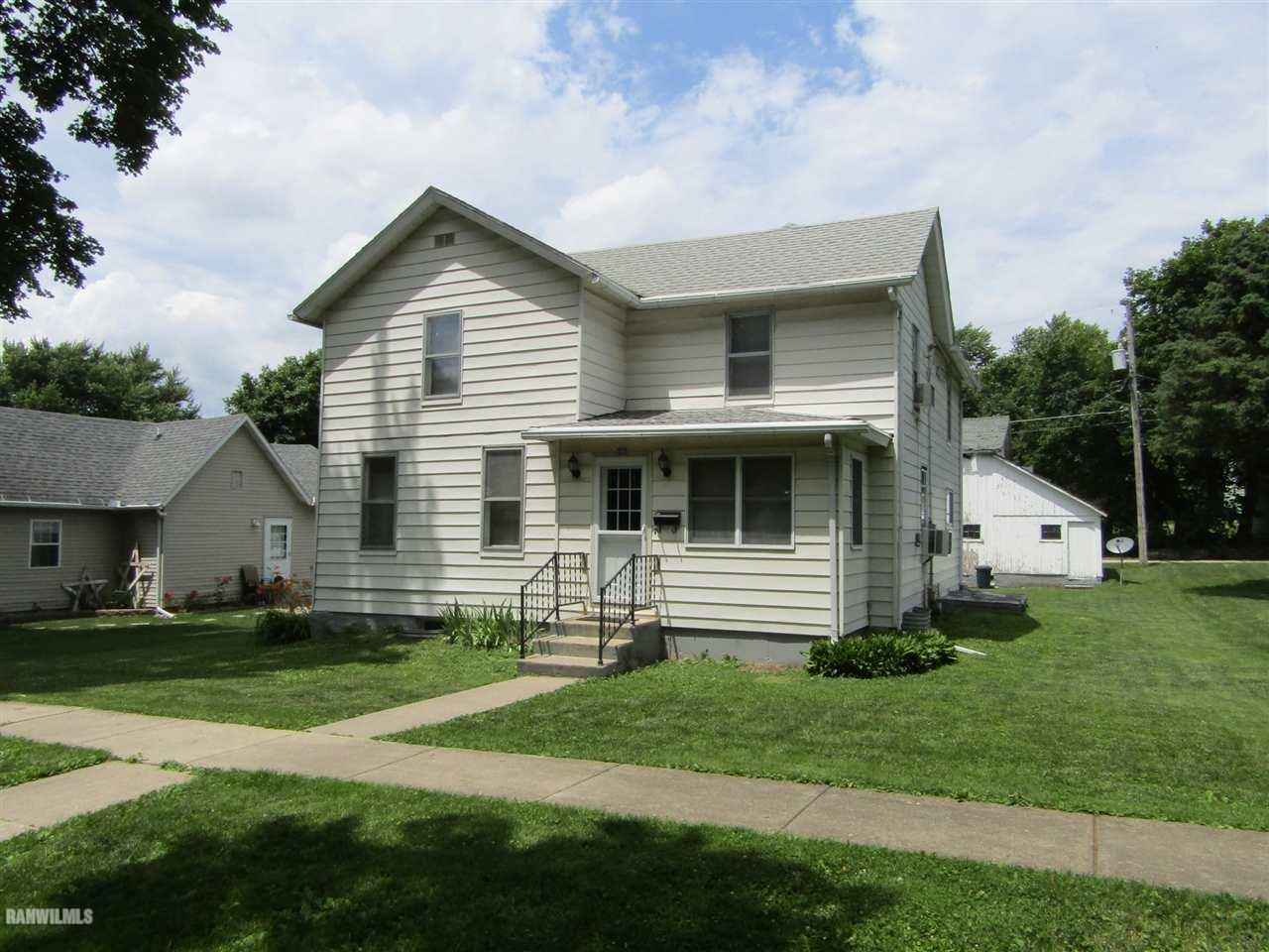 Photo of 321 E Prairie  Lanark  IL