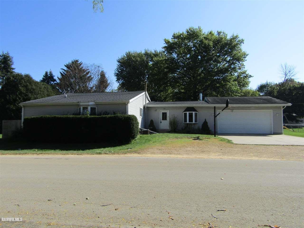 Photo of 309 S Walnut  Shannon  IL