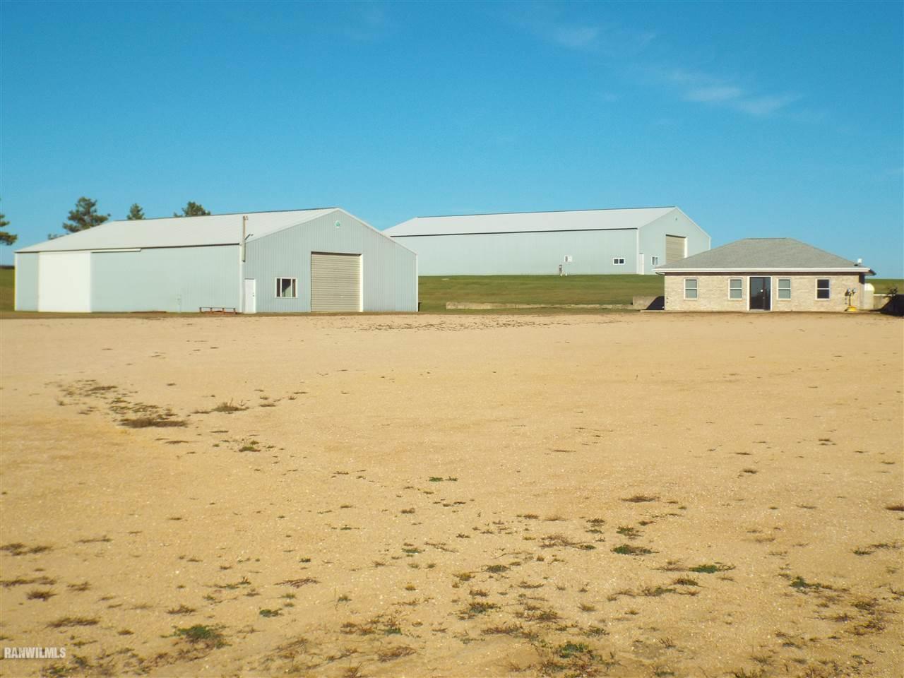 1797 S Smokey Hollow Freeport, IL 61032