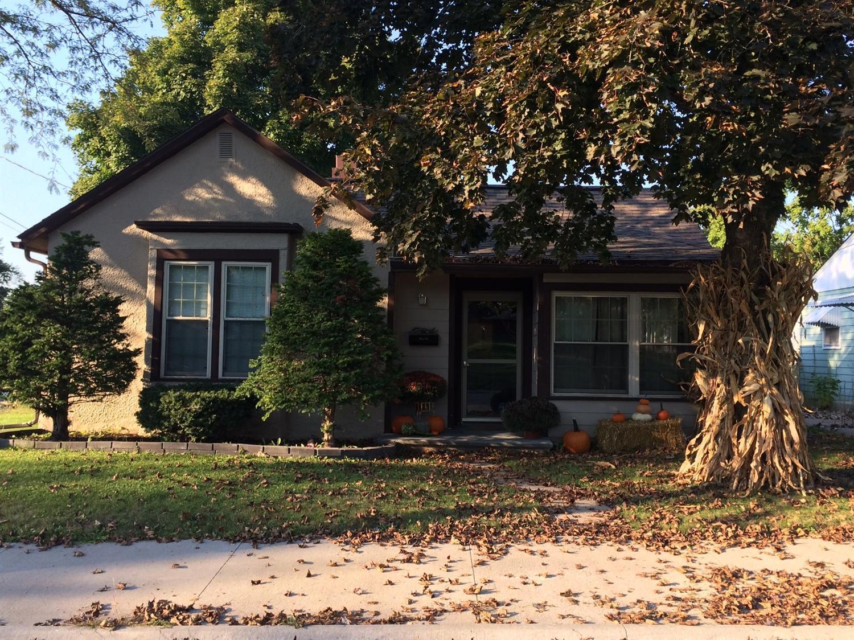 113 W Prairie St, Centerville, IA 52544